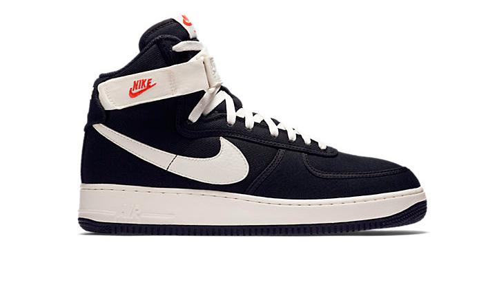 20-Sneakers-Rebajadas-para-comprarte-ya-Nike-Air-Force-1-High-black-white