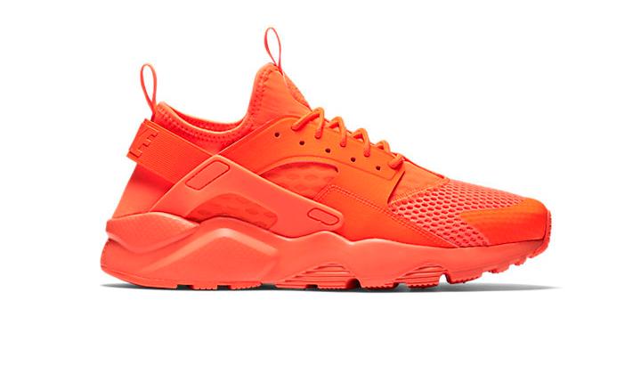 20-Sneakers-Rebajadas-para-comprarte-ya-Nike-Huarache-ultra-breathe-crimsom
