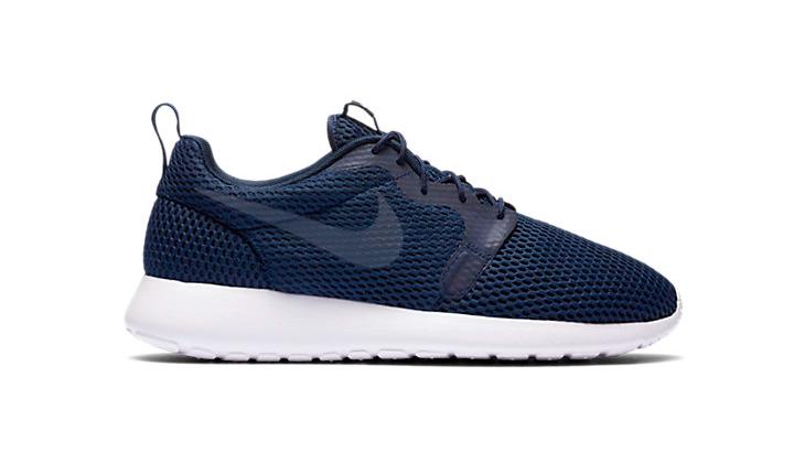 20-Sneakers-Rebajadas-para-comprarte-ya--Nike-roshe-one-ultra-breathe-navy