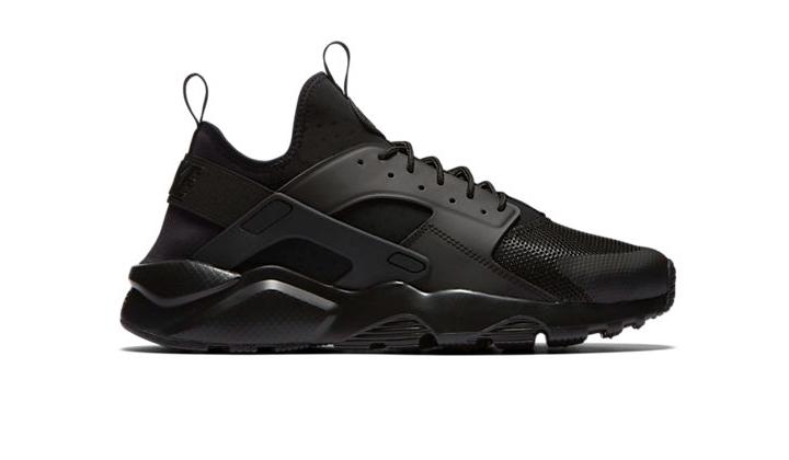 aqui-tienes-10-black-sneakers-para-comprarte-ya-air-huarache-ultra