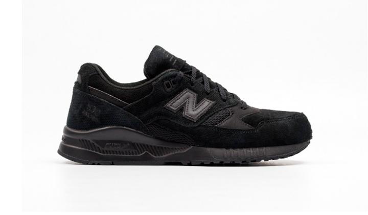 aqui-tienes-10-black-sneakers-para-comprarte-ya-new-balance-m530-ak
