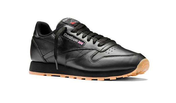 aqui-tienes-10-black-sneakers-para-comprarte-ya-reebok-classics-leather