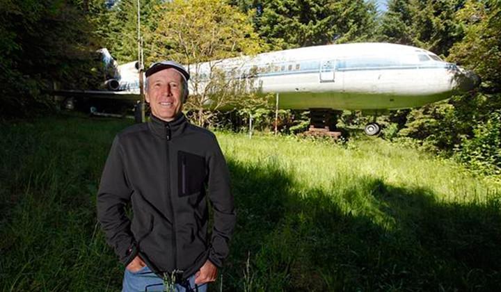 Bruce Campbell, el hombre que vive en un Boeing 727