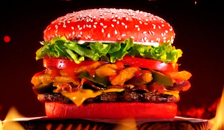 """Burger King quiere hacerte llorar con su """"Angriest Whopper"""""""