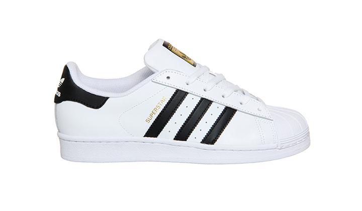 con-estas-10-sneakers-retro-tu-dinero-esta-bien-invertido-adidas-superstar