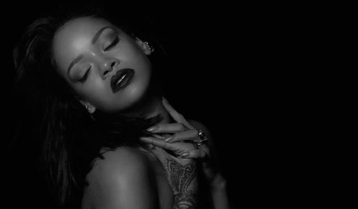 """El lado más Sexy de Rihanna en su nuevo Single """"Kiss it Better"""""""