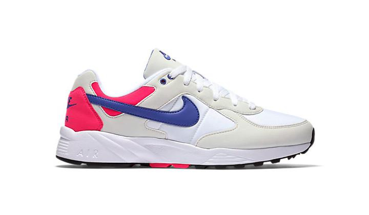 Estas-5-Sneakers-rebajadas-son-una-buena-opcion-para-este-verano-nike-icarus