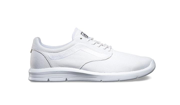 Estas-5-Sneakers-rebajadas-son-una-buena-opcion-para-este-verano-vans-iso