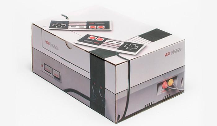 La caja de las Vans x Nintendo diseñada como la consola original
