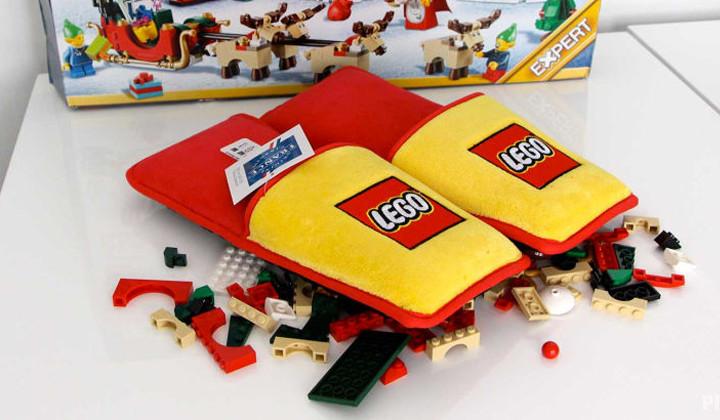 Tenían que llegar: Lego crea unas slippers para no pisar sus ladrillos