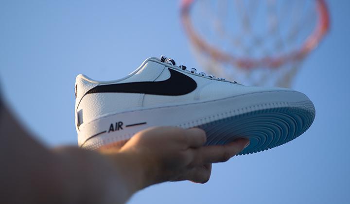 Nike Air Force 1 07 LV8 White NBA Pack onfeet canasta