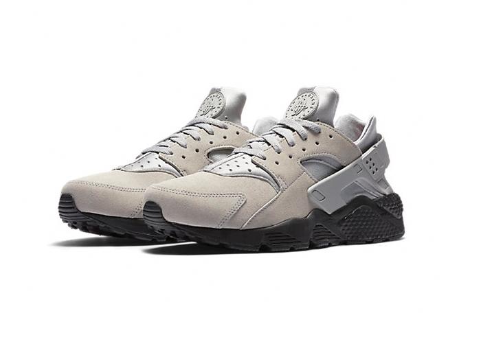 Nike Air Huarache SE «Silver Pale»