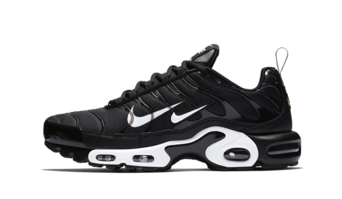 Nike Air Max Plus Overbranding Black