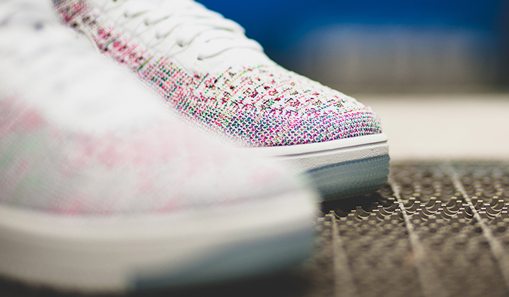 Nike-W-Air-Force-1-Flyknit-Low-Radiant-Emerald-3