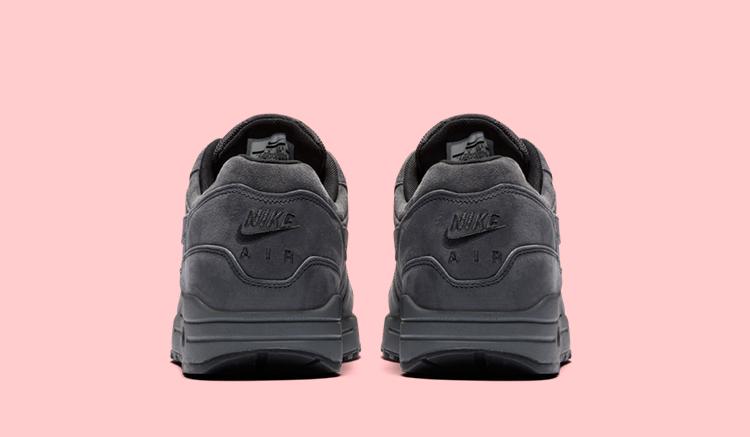 Nike-air-max-1-preimum-triple-anthracite-lanzamiento-875844-010