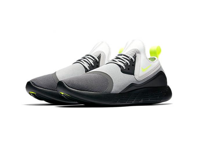 Nike LunarCharge Essential BS «Black Volt 95»