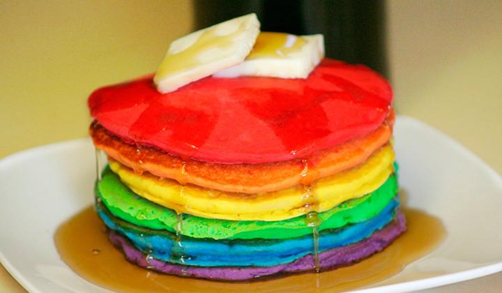 Rainbow Pancakes, la última tendencia de comida en internet