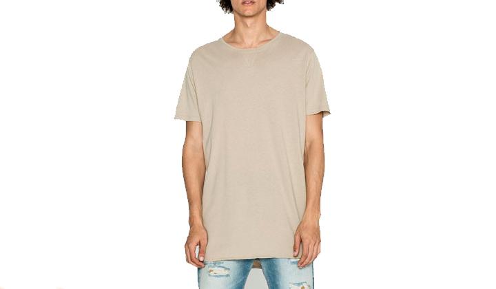 Summer-Essentials-20-productos-para-este-Agosto-camiseta-long