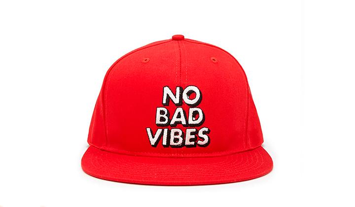 Summer-Essentials-20-productos-para-este-Agosto-no-bad-vibes-cap