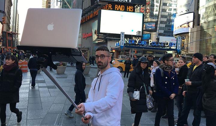 EL Super Selfie Stick, la última tontería de Internet