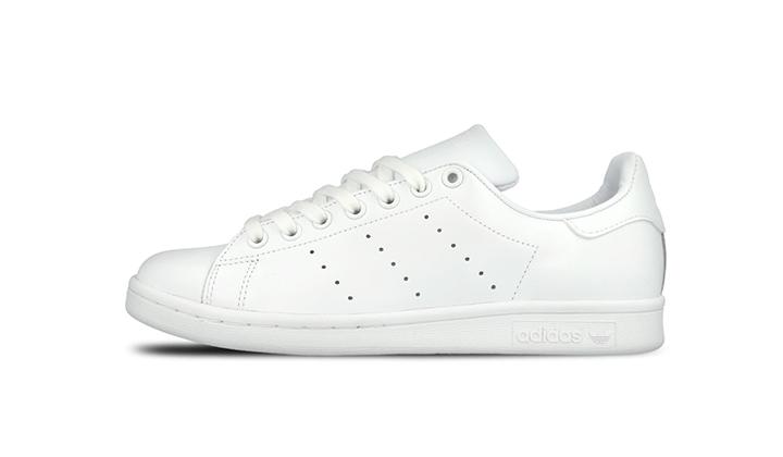 Top-5-White-Sneakers-para-comprarse-ya-adidas-stan-smith-all-white