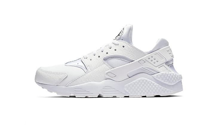Top-5-White-Sneakers-para-comprarse-ya-nike-huarache-run-prm-white