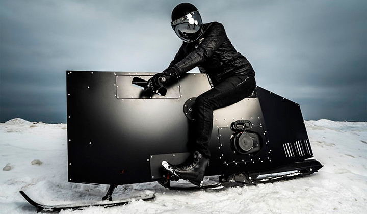 Una moto con esquís para la nieve? Si no te lo crees mira el vídeo…