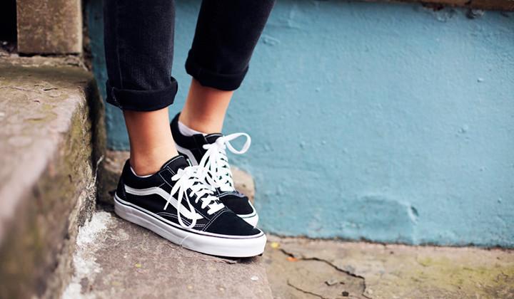 zapatillas vans negras Archives | Backseries