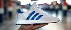 adidas I-5923 White Navy sólo en JD Sports