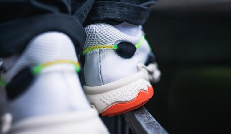 adidas-ozweego-x-model-pack-era-on-feet-1-313592
