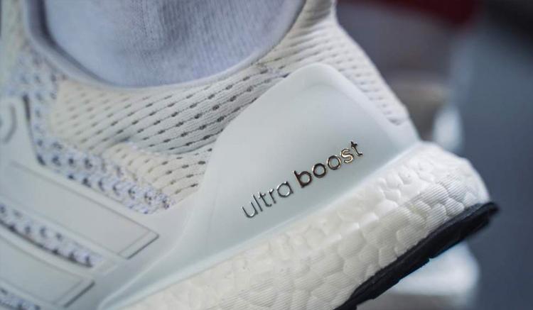 adidas-ultraboost-1-0-rainbow-on-feet-BB7800-comprar