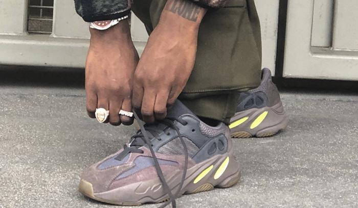 adidas-yeezy-700-mauve-vista
