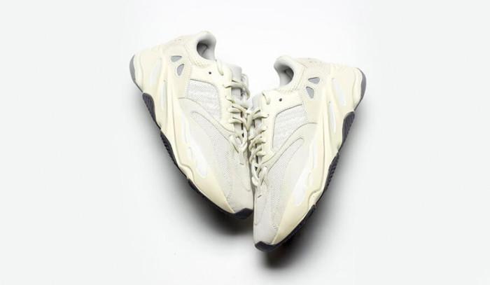 Las últimas v1: adidas Yeezy Boost 700 v1 Analog