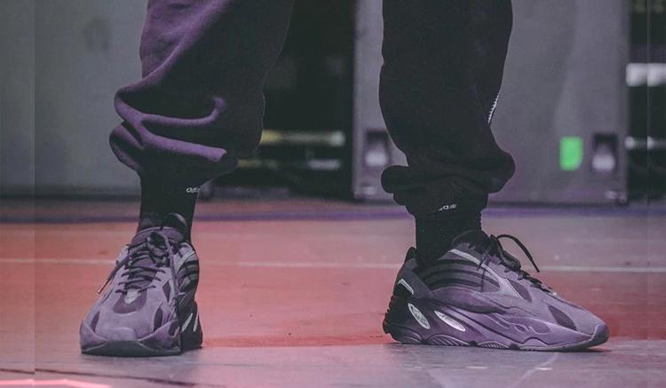 adidas-yeezy-boost-700-v2-triple-black-