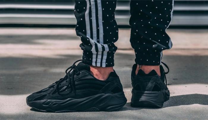 El color negro es el protagonista en el próximo lanzamiento de adidas Yeezy!