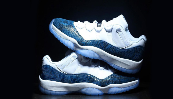 air-jordan-11-retro-low-blue-snake-skin-D6846_102