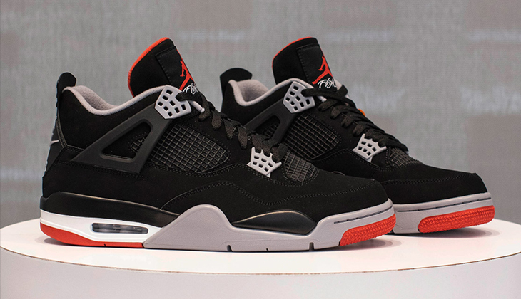 air-jordan-4-bred-on-feet-308497-060