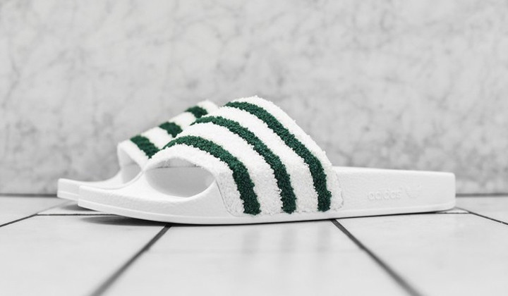 "Nuevas Adidas Adilette ""White Green"" inspiradas en las Stan Smith"