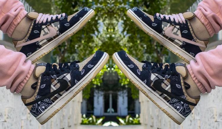 Travis Scott x Nike SB Dunk ct5053-001
