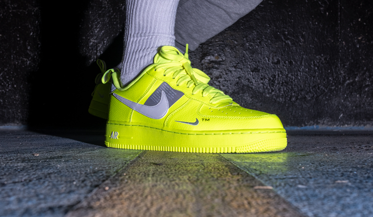 nike air force one verde fosforescente