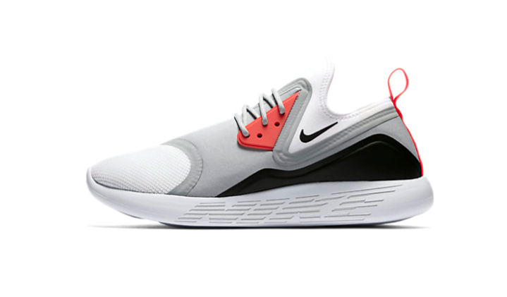 nike-lunarcharge-essential-sneakers-con-descuento