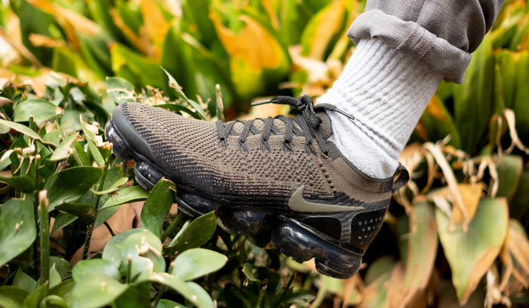 nike-vapormax-flyknit-2-snake-av7973-300 on feet