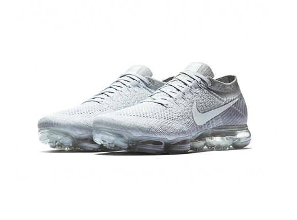 "Nike Vapormax ""Pure Platinum"""