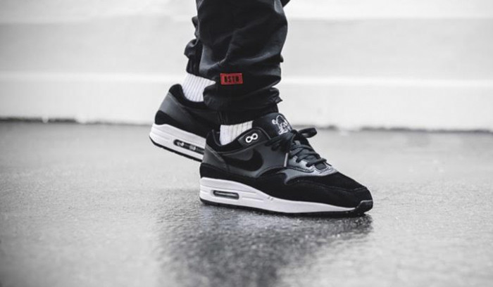 Top 10 Black Sneakers