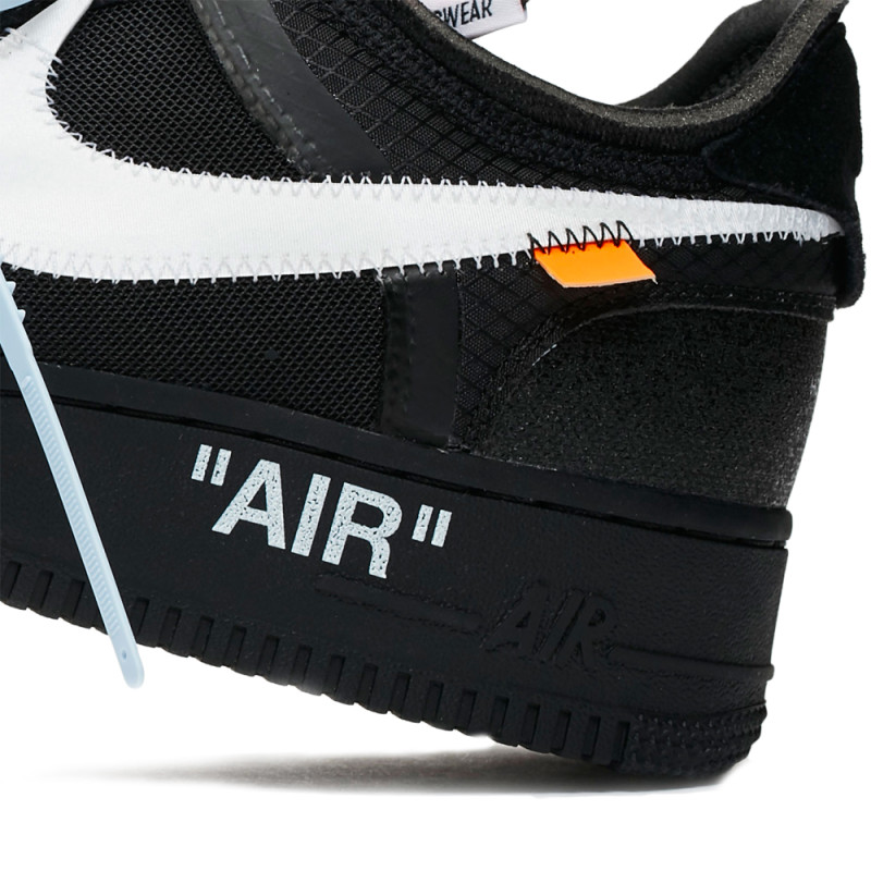 Off-White x Nike Air Force 1 Negras