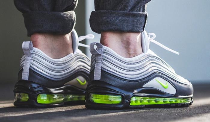 Estas son las 10 Sneakers que tienes que comprarte ya!