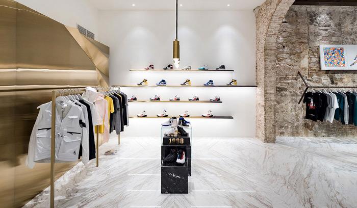 tienda-foot-district-barcelona-sneakers-detalles