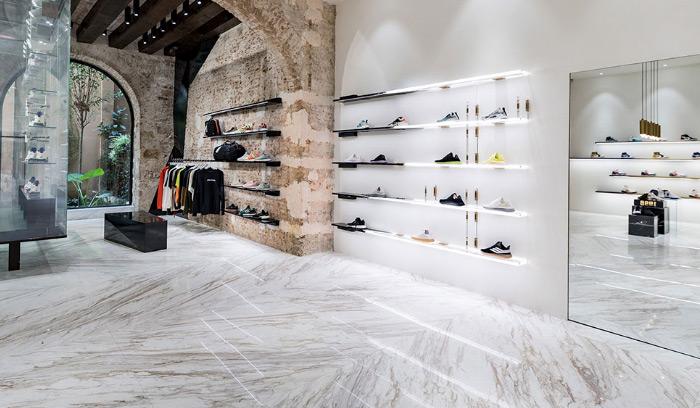 tienda-foot-district-barcelona-sneakers-shop