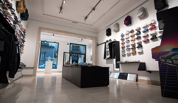 tienda-nigra-mercato-sneakers-madrid-barrio-letras