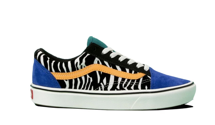 vans-comfycush-zebra-old-skool-tidepool-surf-the-web-vn0a3wmavwt